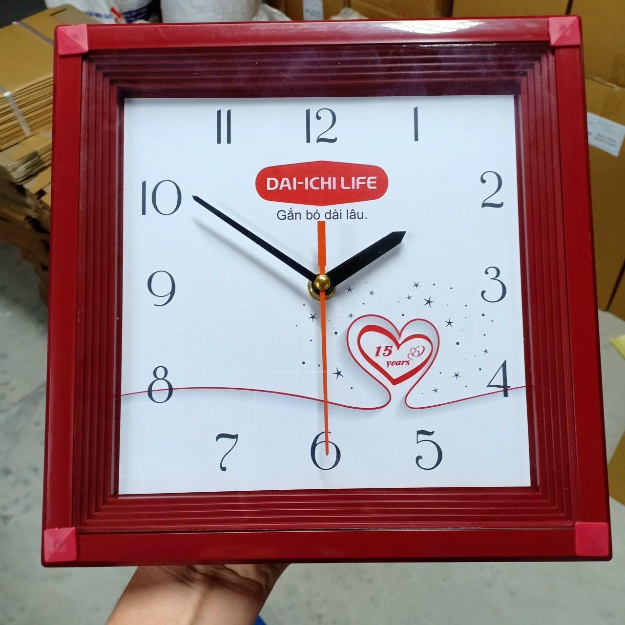 đồng hồ treo tường quà tặng in logo